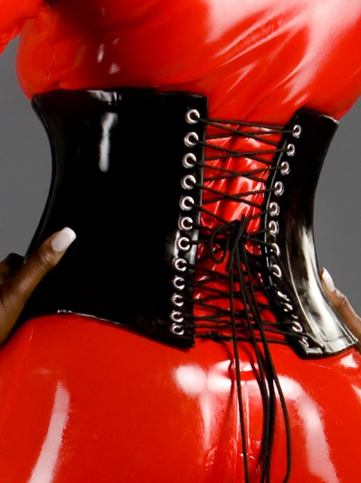 latex-corset-co-117-back