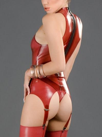 latex-trinity-top-to-084-back